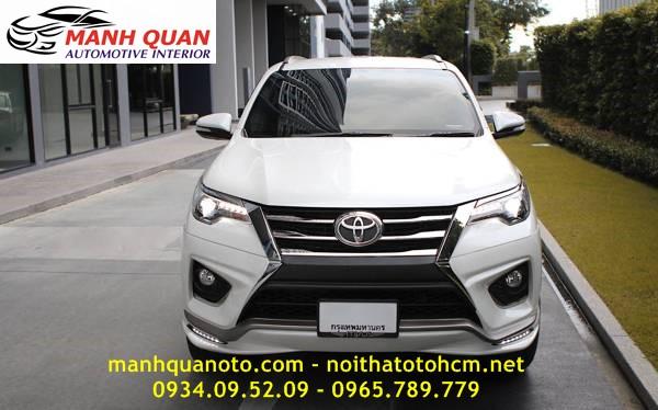 Mạnh quân Auto chuyên nhập khẩu và lắp đặt Body Kit cho Toyota Fortuner từ Thái Lan với chất lượng cao và giá tốt nhất. LH 0934095209 để được tư vấn lắp body kit cho Toyota Fortuner phù hợp