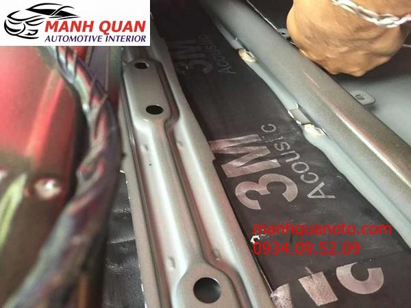 Dán Cách Âm Chống Ồn 3M Cao Cấp Cho Mitsubishi Outlander Tại Quận Bình Tân
